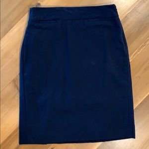 Navy blue pencil skirt from Banana Republic, 4P